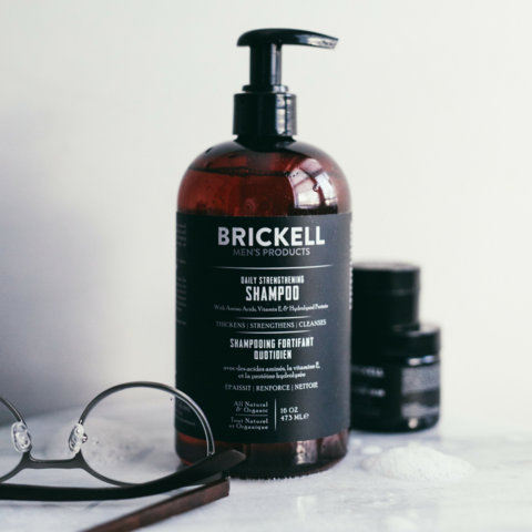 """shampooing naturel pour hommes """"style ="""" display: block; marge gauche: auto; marge droite: auto;"""