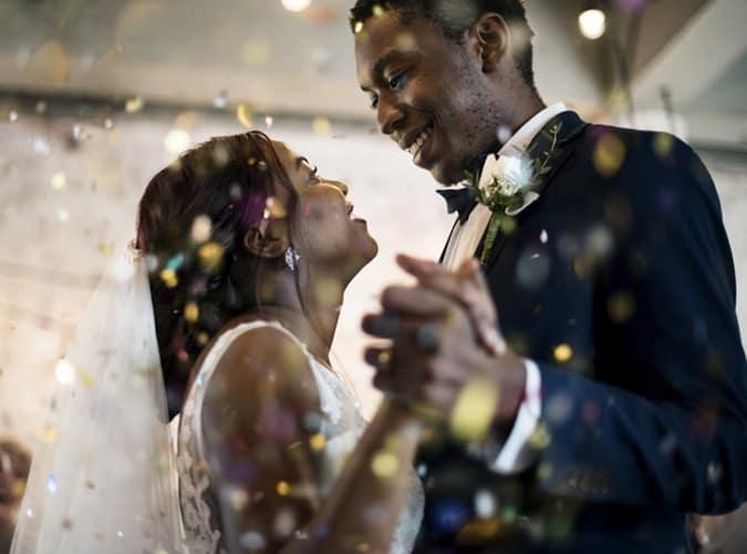 les mariés le jour du mariage